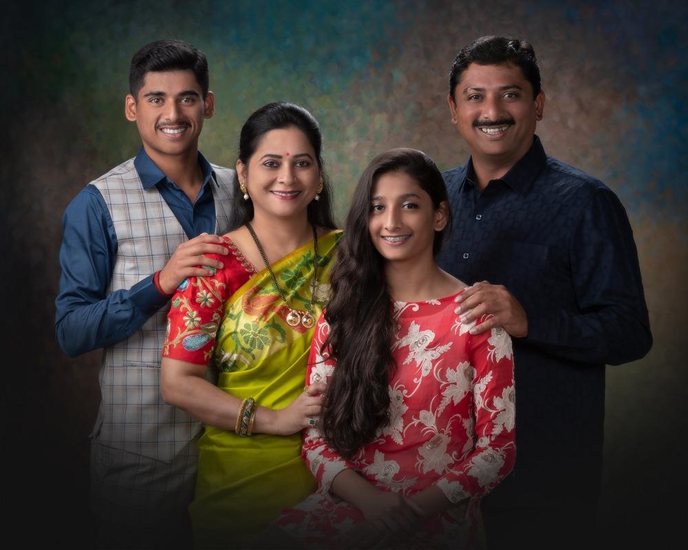 Mr Sagar Dhole Patil, Mrs Uma Sagar Dhole Patil, Raunaq and Samriddhi Dhole Patil